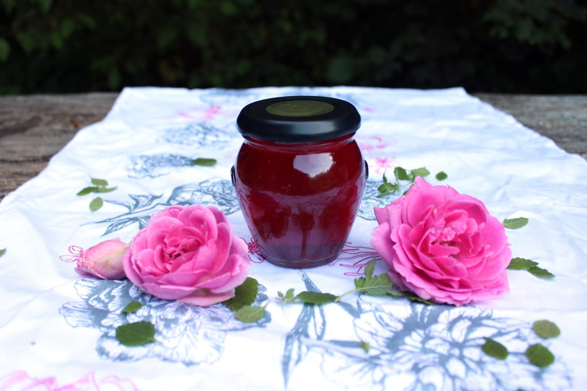 How to make homemade rose water