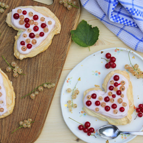 pavlova cake currant gluten free recipe